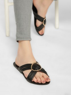 Truffle Collection D-Ring Cross-Strap Flat Sandals
