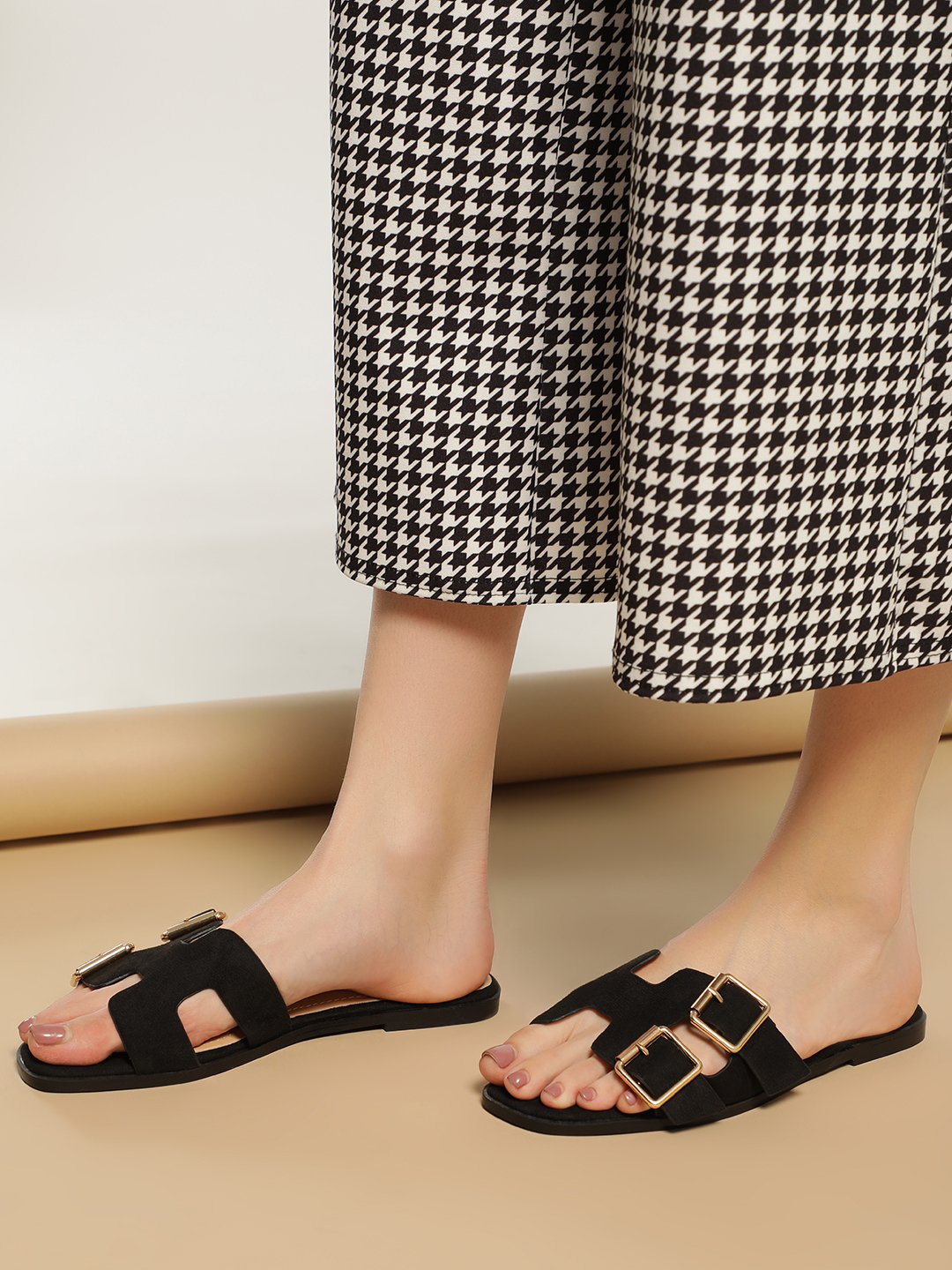 Truffle Collection Black H-Shape Buckle Detail Flat Sandals 1