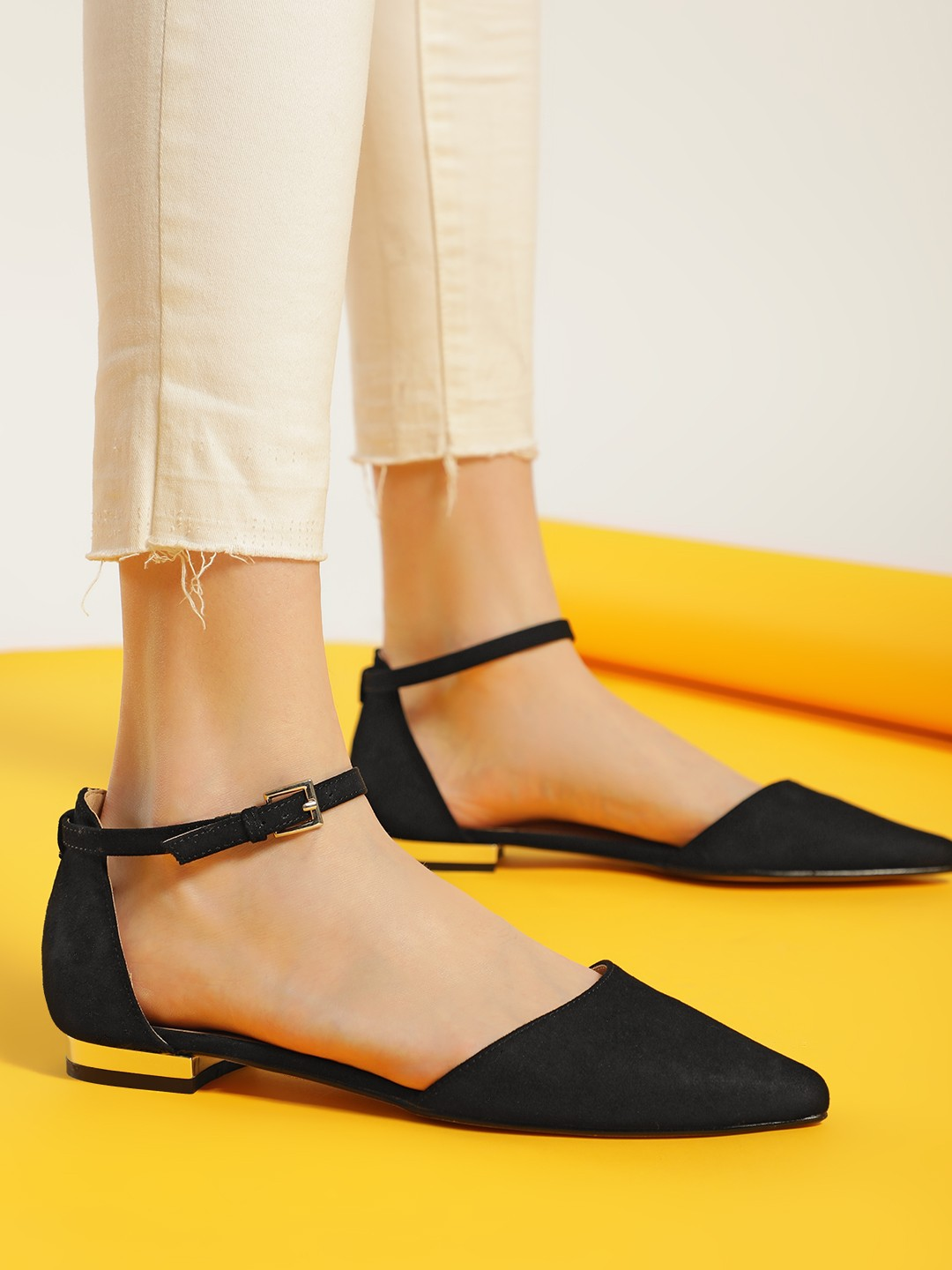 Truffle Collection Black Basic Suede Flat Shoes 1