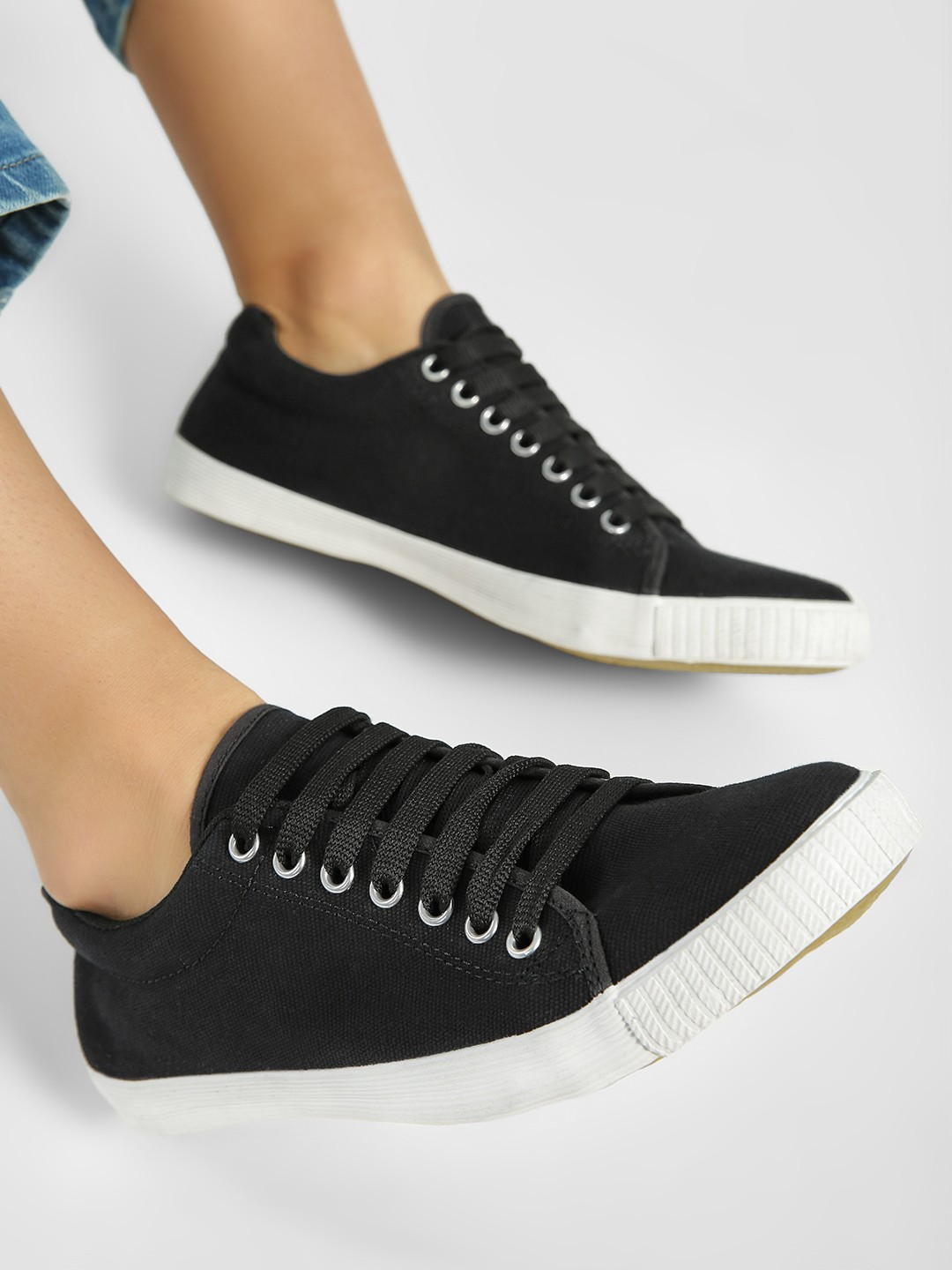 KOOVS Black Basic Lace Up Sneakers 1