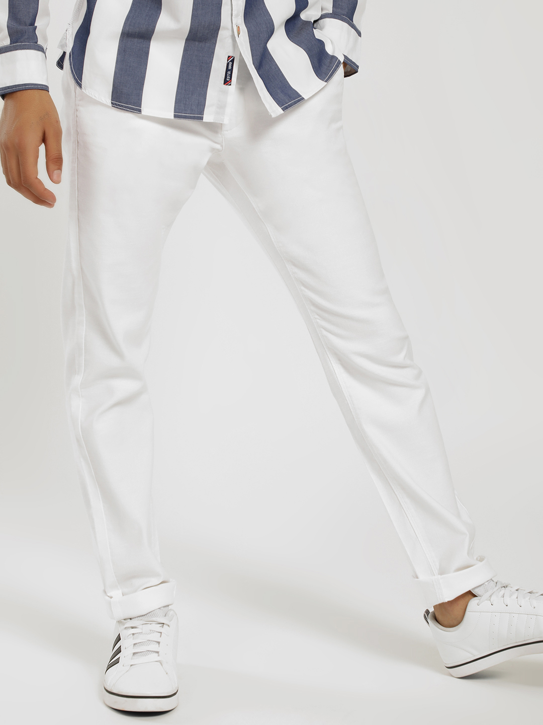 SCULLERS White Textured Slim Trousers 1