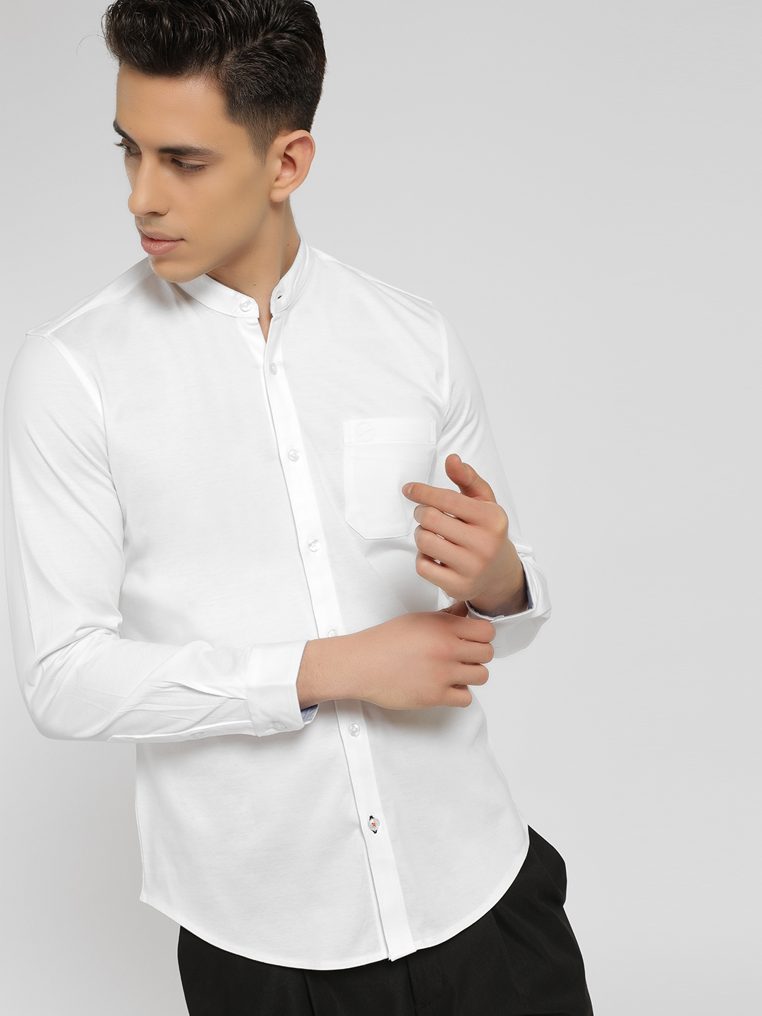 SCULLERS White Basic Grandad Collar Shirt 1