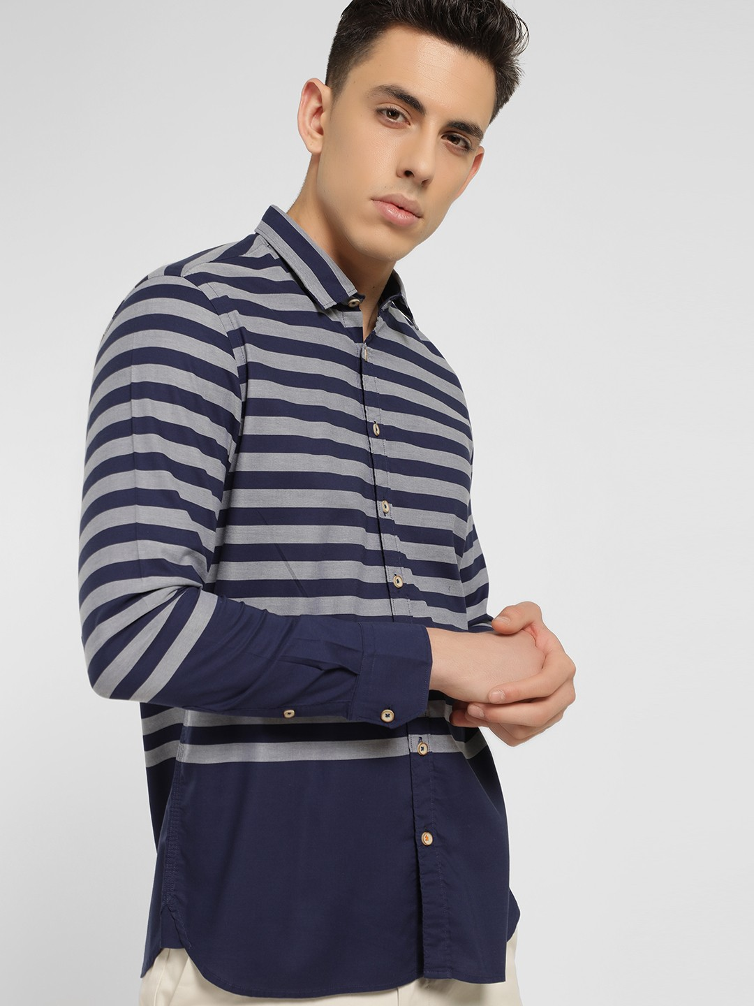 SCULLERS Blue Horizontal Stripe Slim Shirt 1