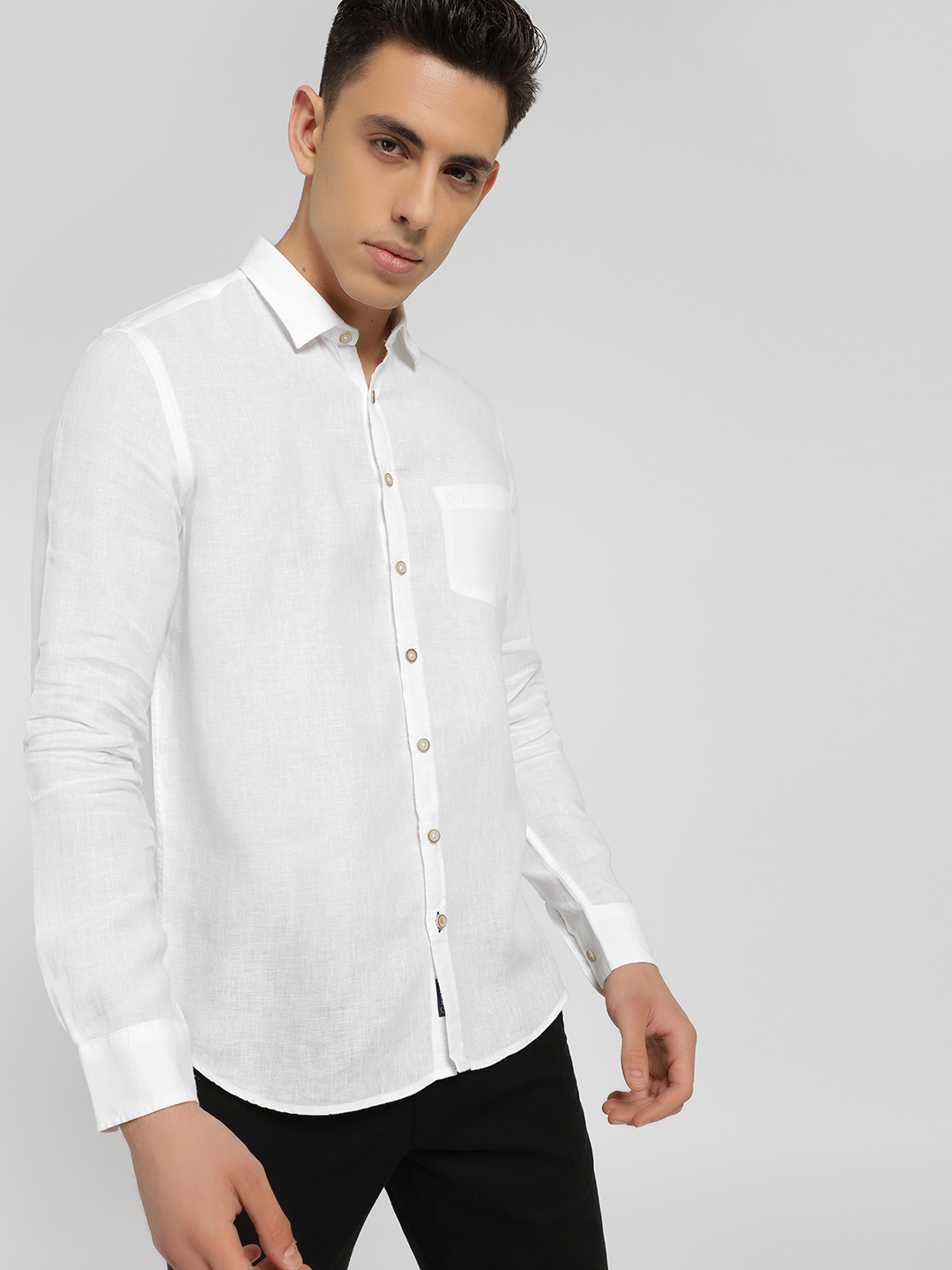 SCULLERS White Basic Slim Fit Shirt 1