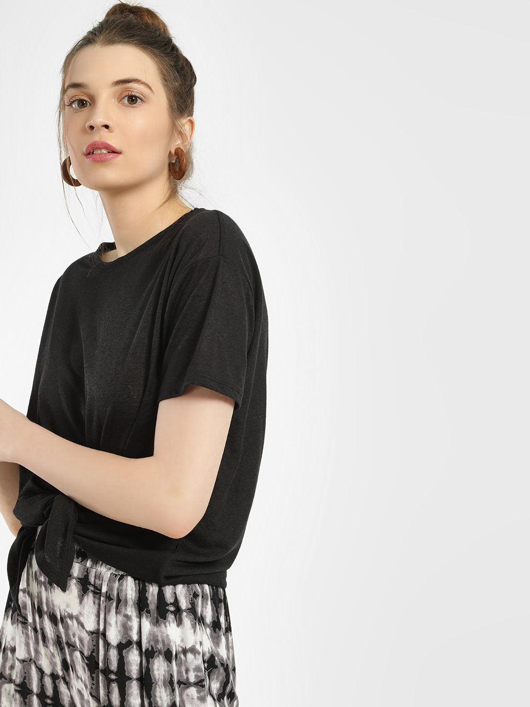 New Look Black Tie-Knot Cropped T-Shirt 1