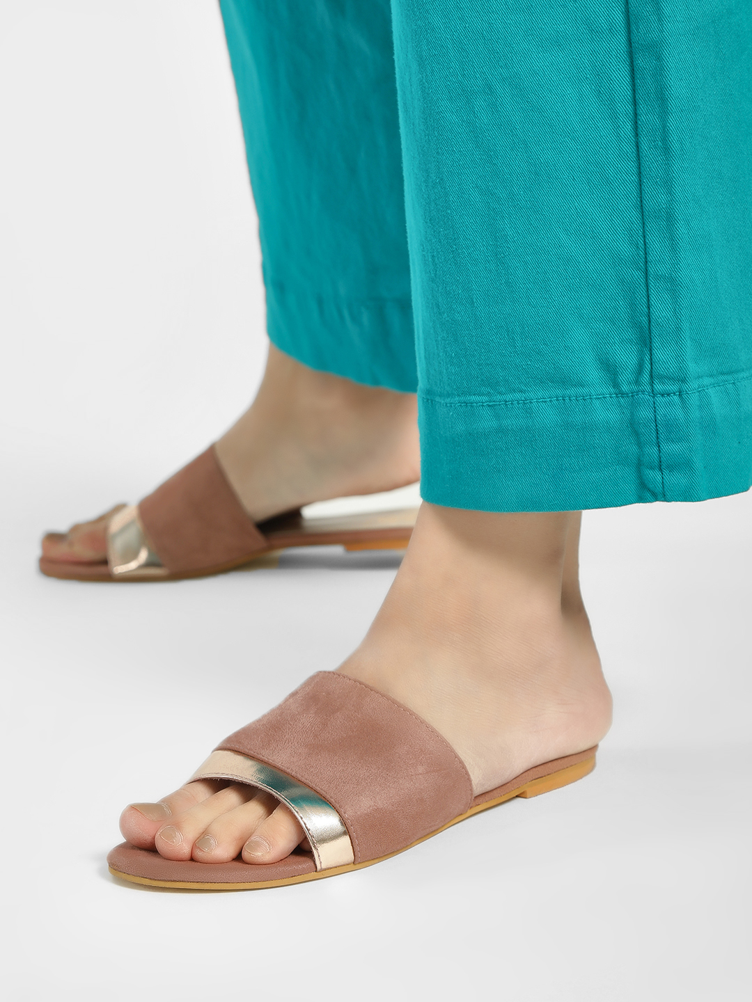 Shoe that fits You Pink Suede Metallic Strap Flat Sandals 1