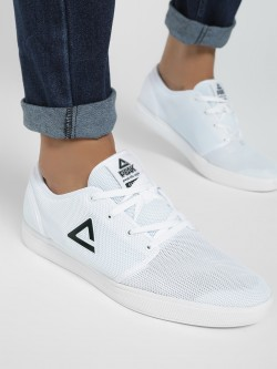 Peak Honeycomb Mesh Logo Trainers