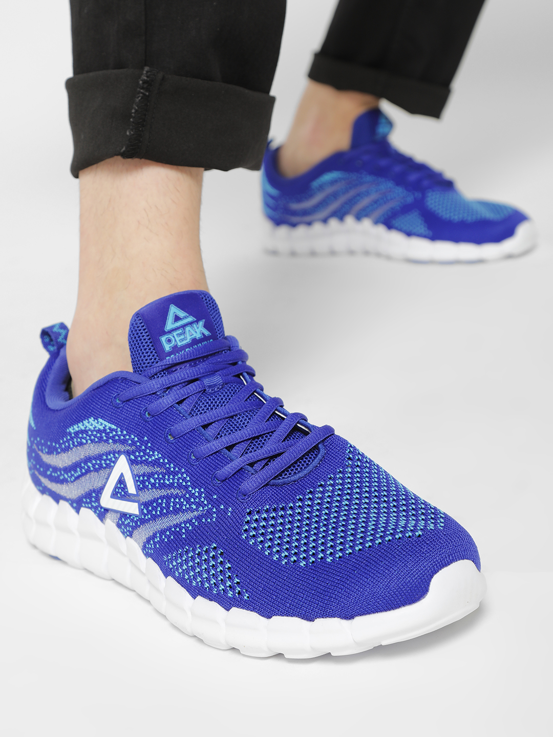 Peak Blue Knitted Logo Running Shoes 1