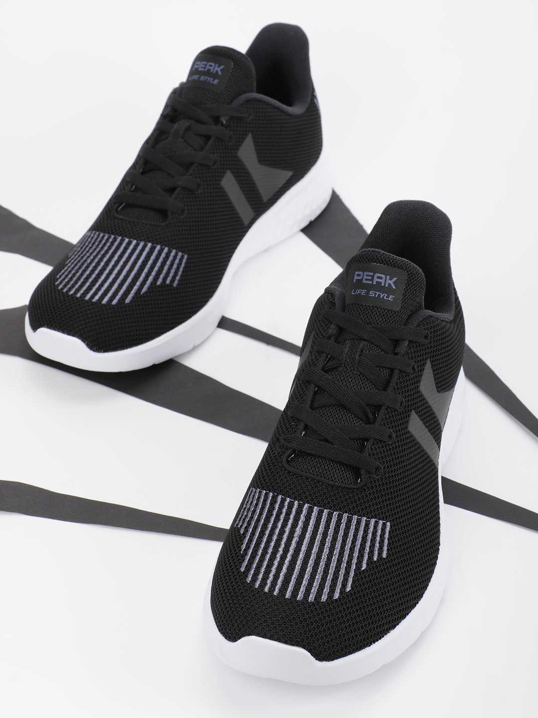 Peak Black Panelled Stripe Running Shoes 1