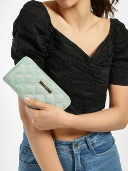Ceriz Quilted Wallet
