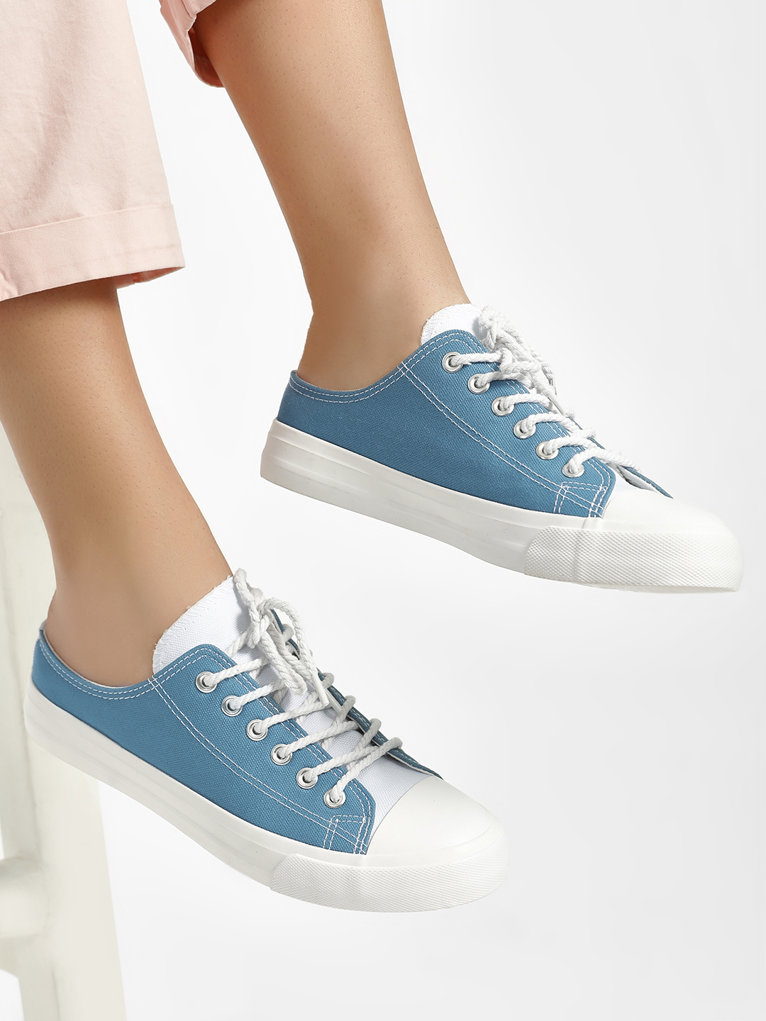 People Blue Extreme Low Top Canvas Shoes 1