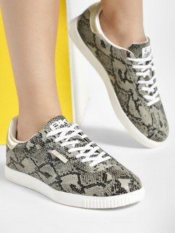 BRITISH KNIGHTS Snake Print Pointed Sneakers
