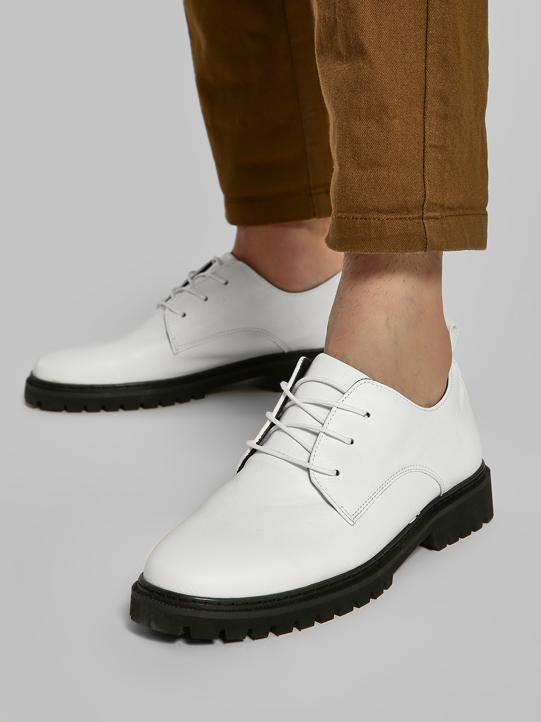 KOOVS White Cleated Sole Derby Shoes 1