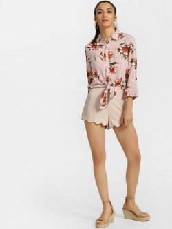 Iris Scalloped Hem Shorts