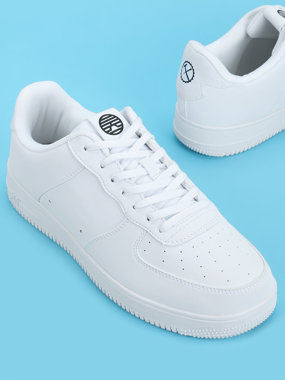 361 Degree White Skateboarding Sneakers 1