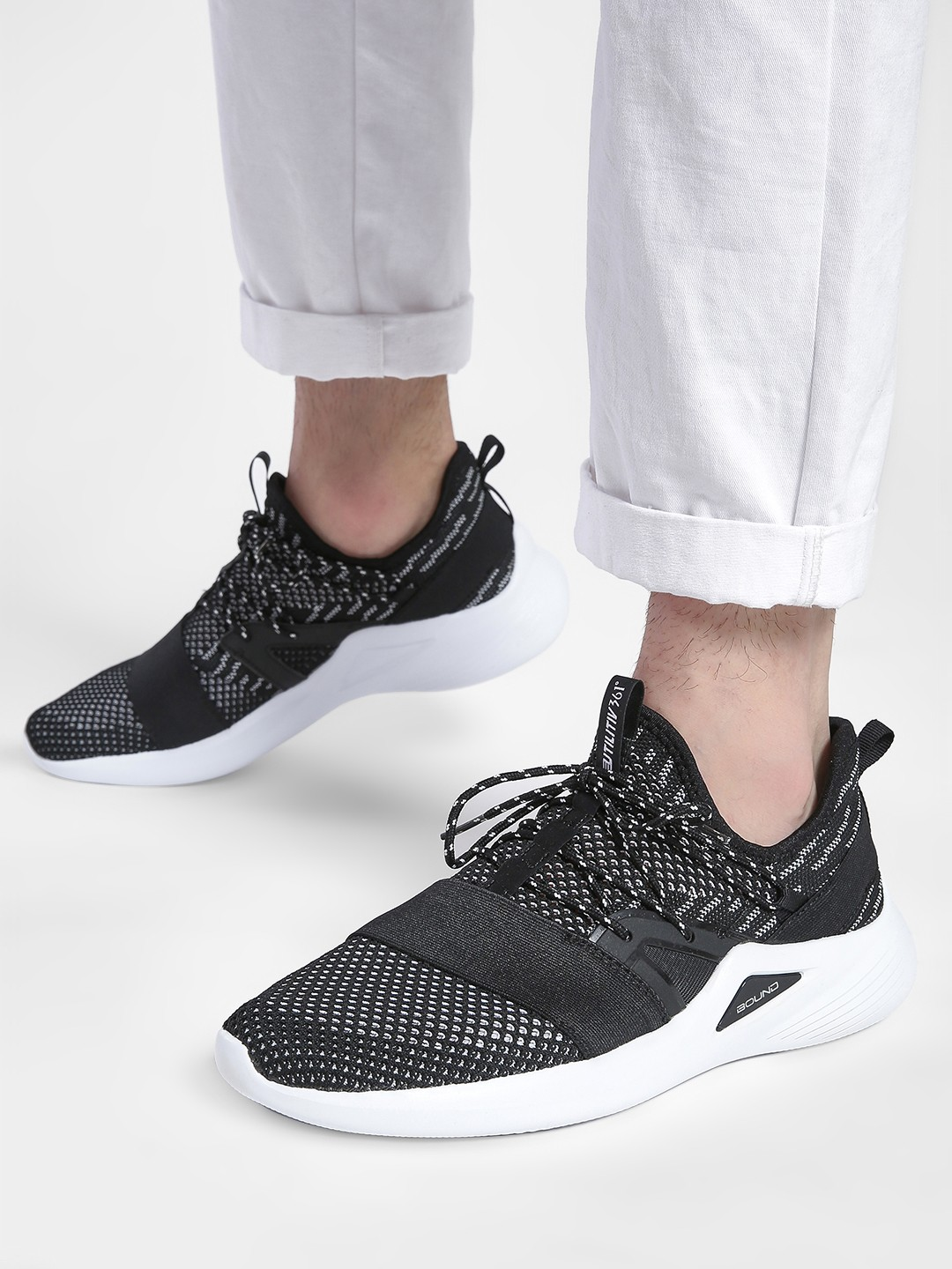 361 Degree Black Knitted Contrast Panel Running Shoes 1