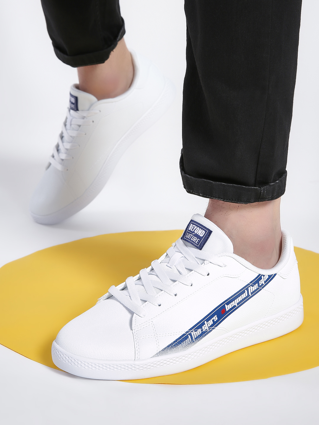 361 Degree White Skateboarding Shoes 1