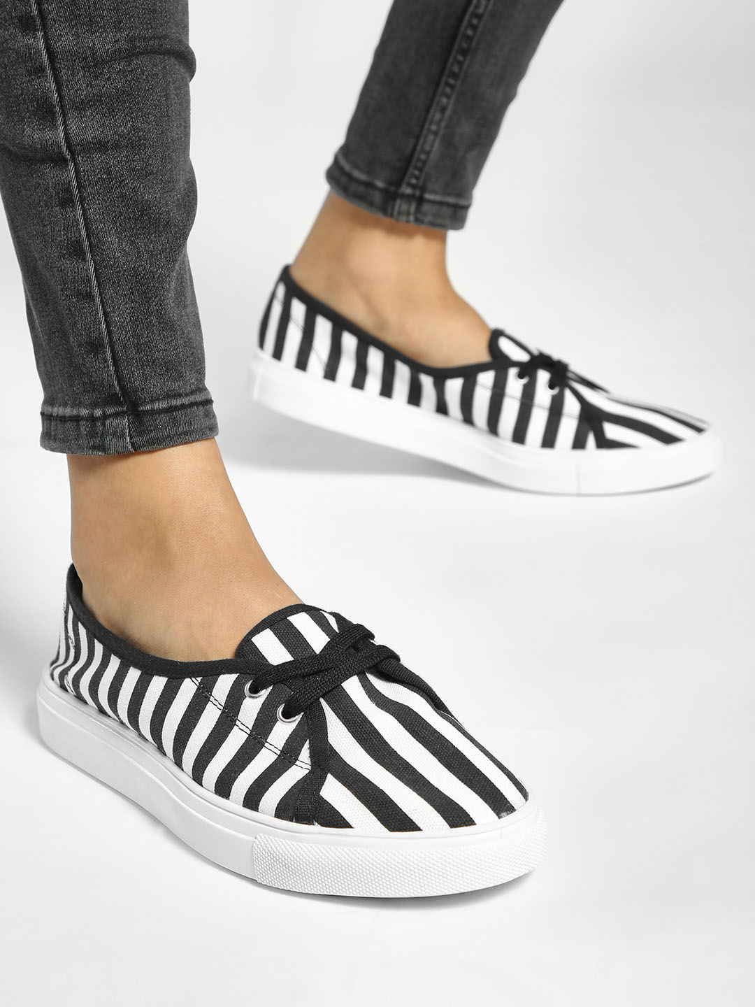 ADORLY Black Colour Block Stripe Sneakers 1