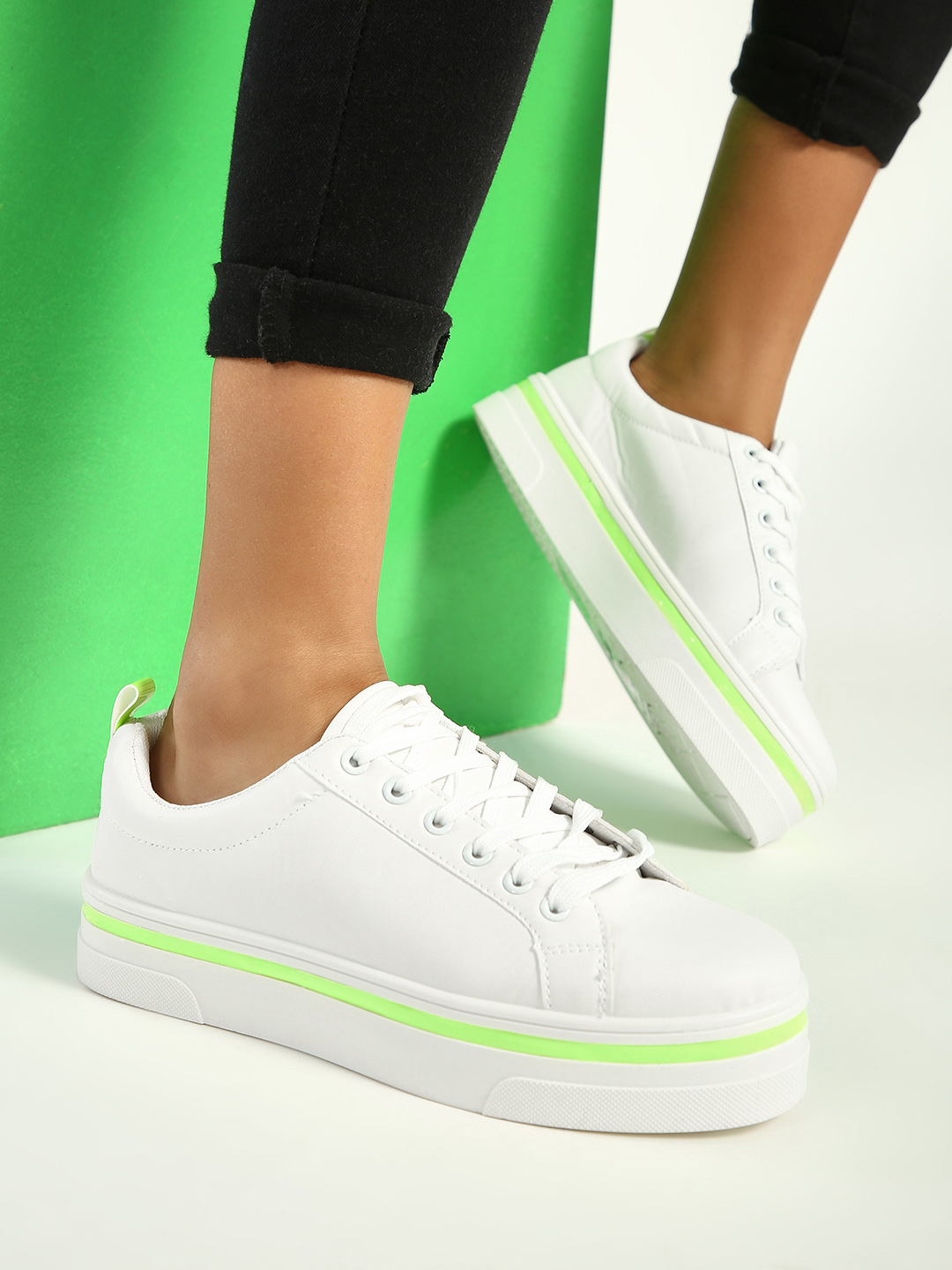 New Look White Contrast Tape Lace-Up Sneakers 1