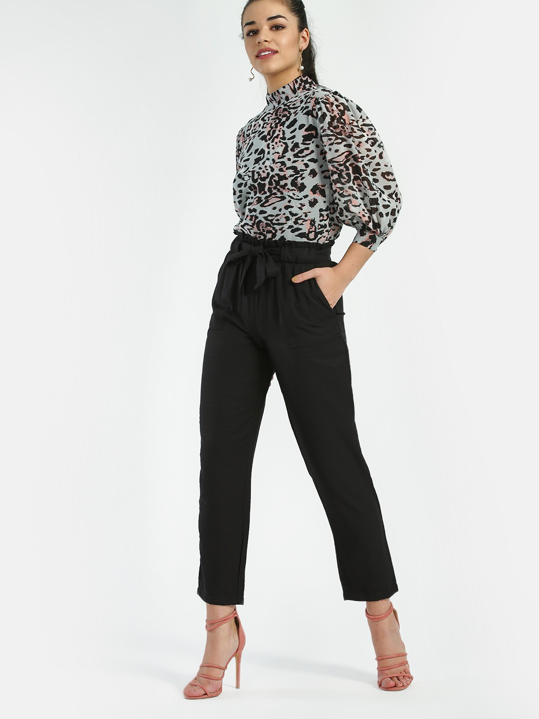 New Look Black Paperbag Tie Waist Cropped Trousers 1