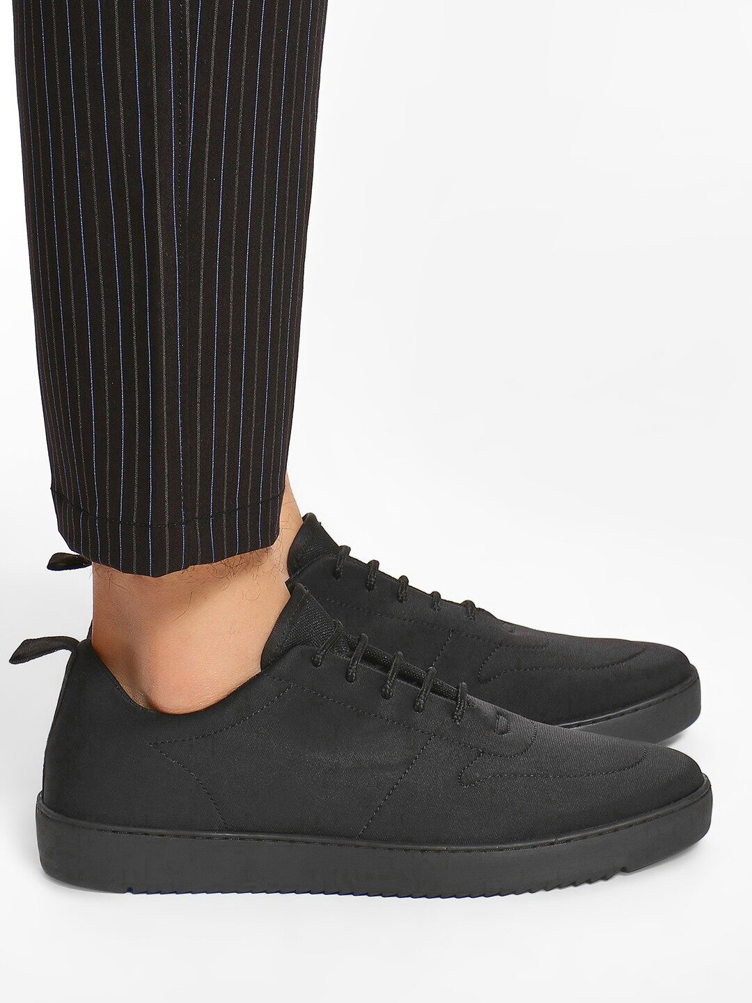 KOOVS Black Basic Lace-Up Sneakers 1