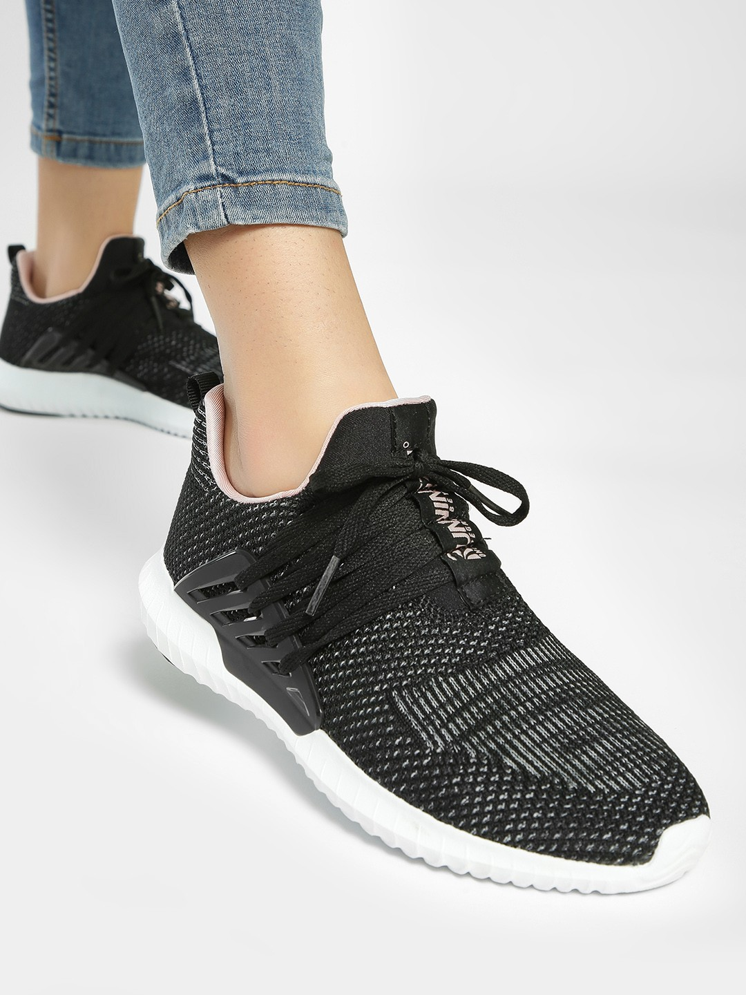 361 Degree Black Knitted Running Shoes 1