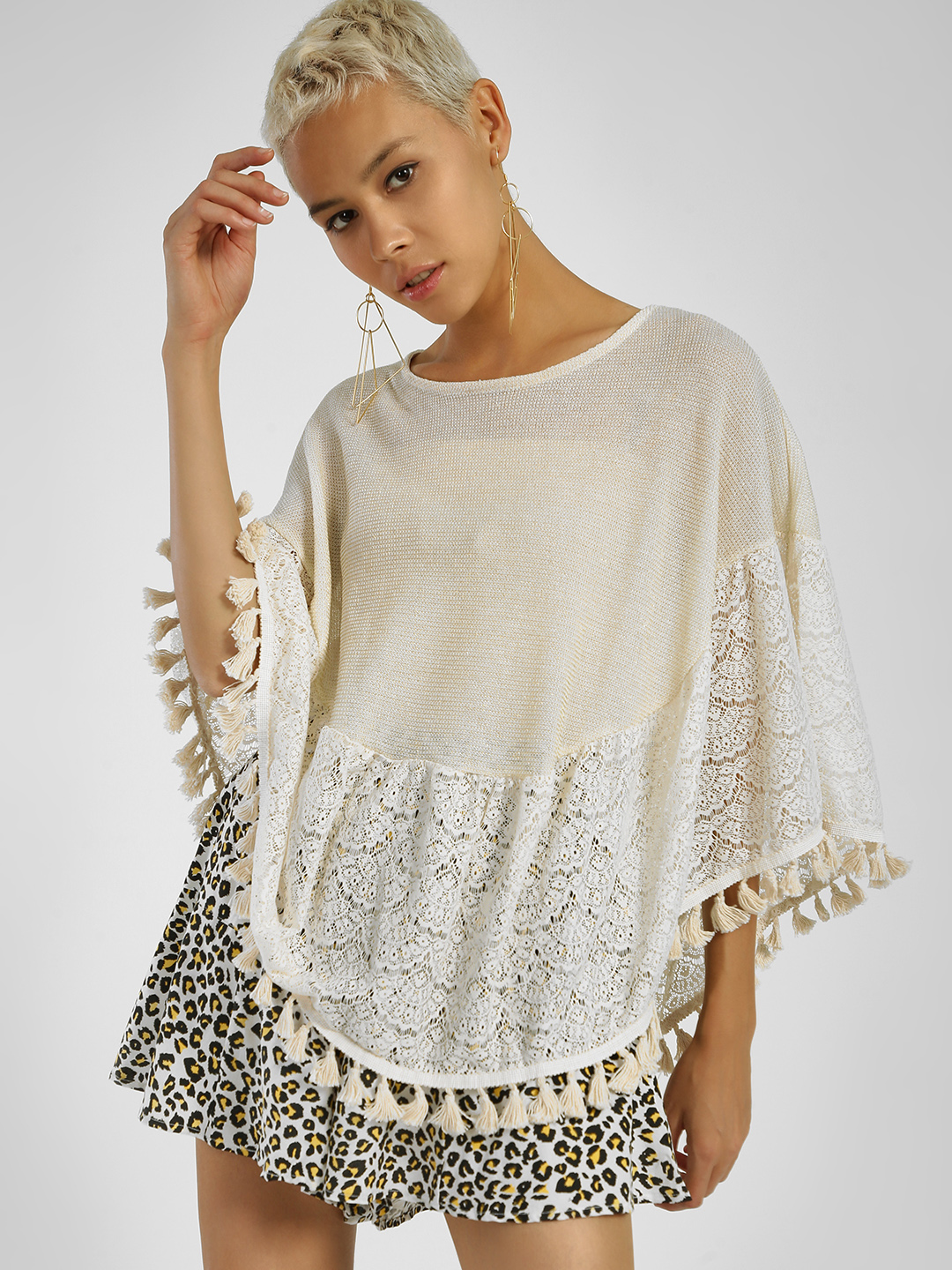 Privy League White Lace Pom-Pom Hem Cape Top 1