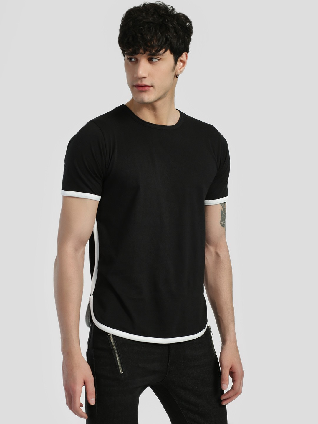 Rigo Black Contrast Piping Curved Hem T-Shirt 1