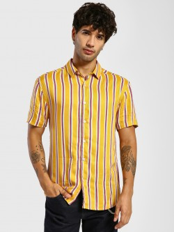 TRUE RUG Vertical Stripe Short Sleeve Shirt