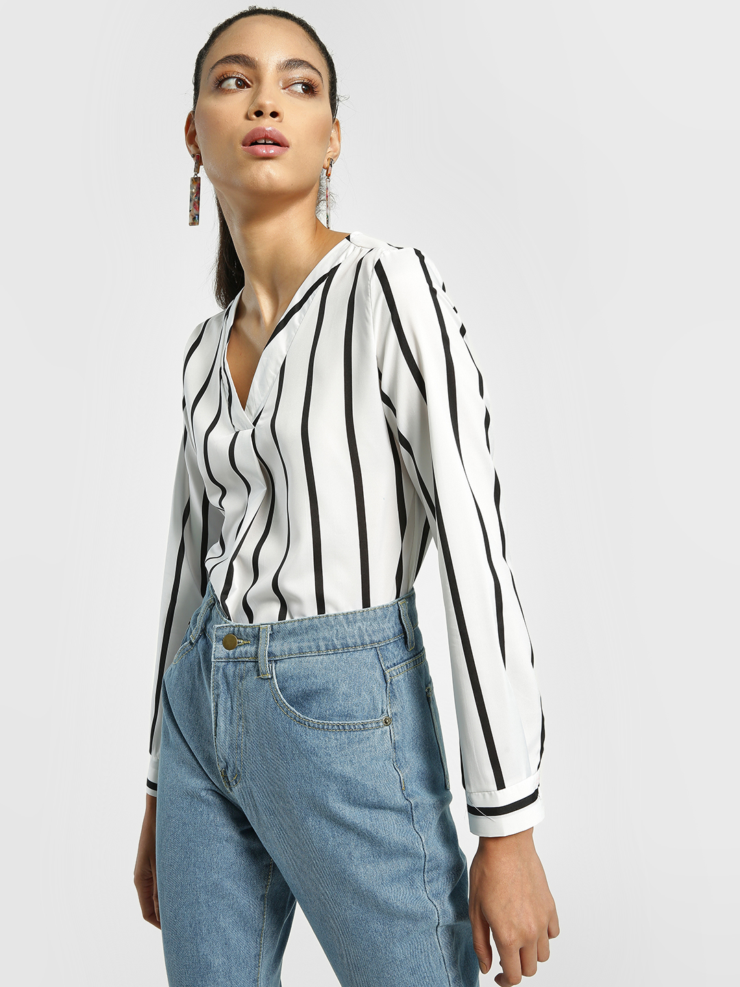 EmmaCloth White Vertical Stripe Curved Hem Blouse 1