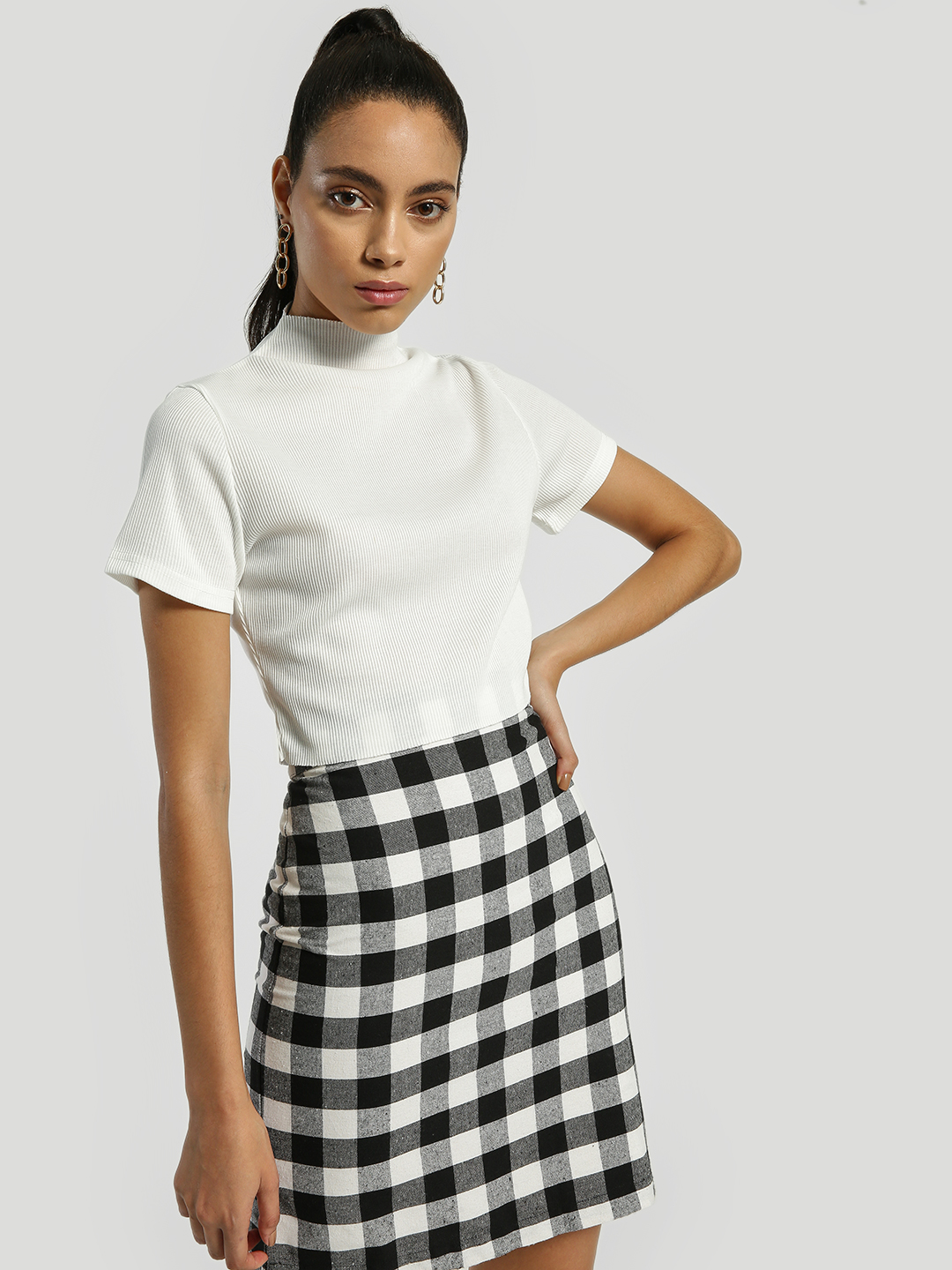 EmmaCloth White Ribbed Turtle Neck Crop Top 1