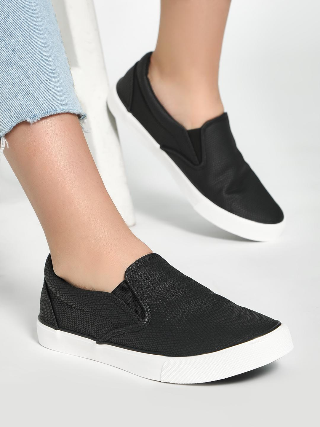 New Look Black Textured Contrast Flat Sole Shoes 1