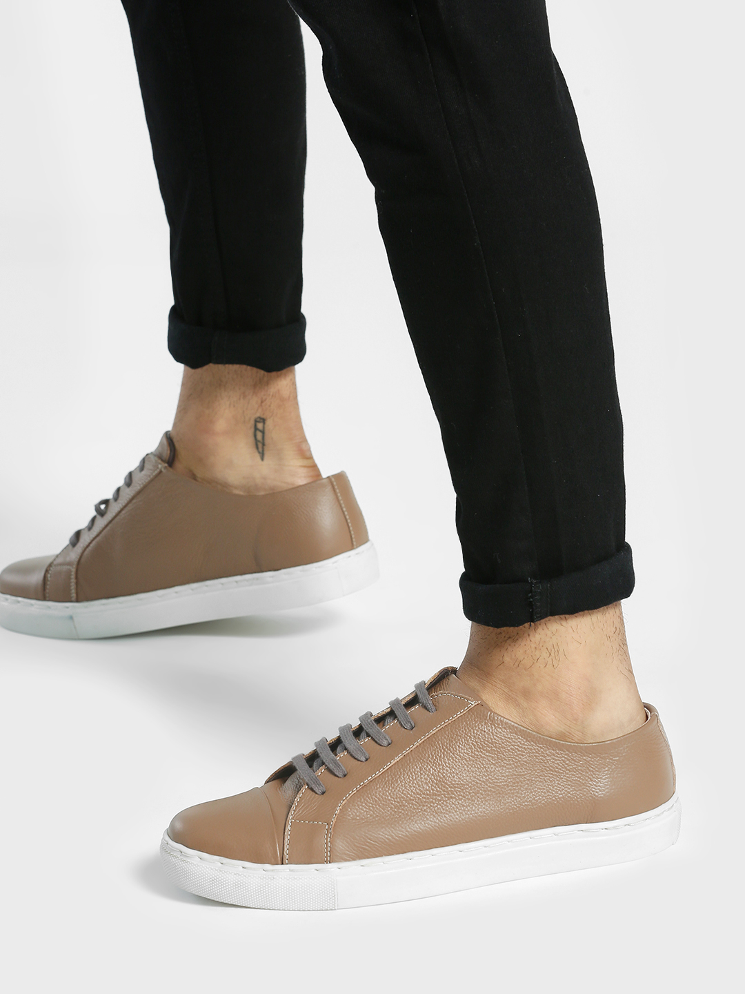 YOHO Brown Basic Lace-Up Leather Sneakers 1