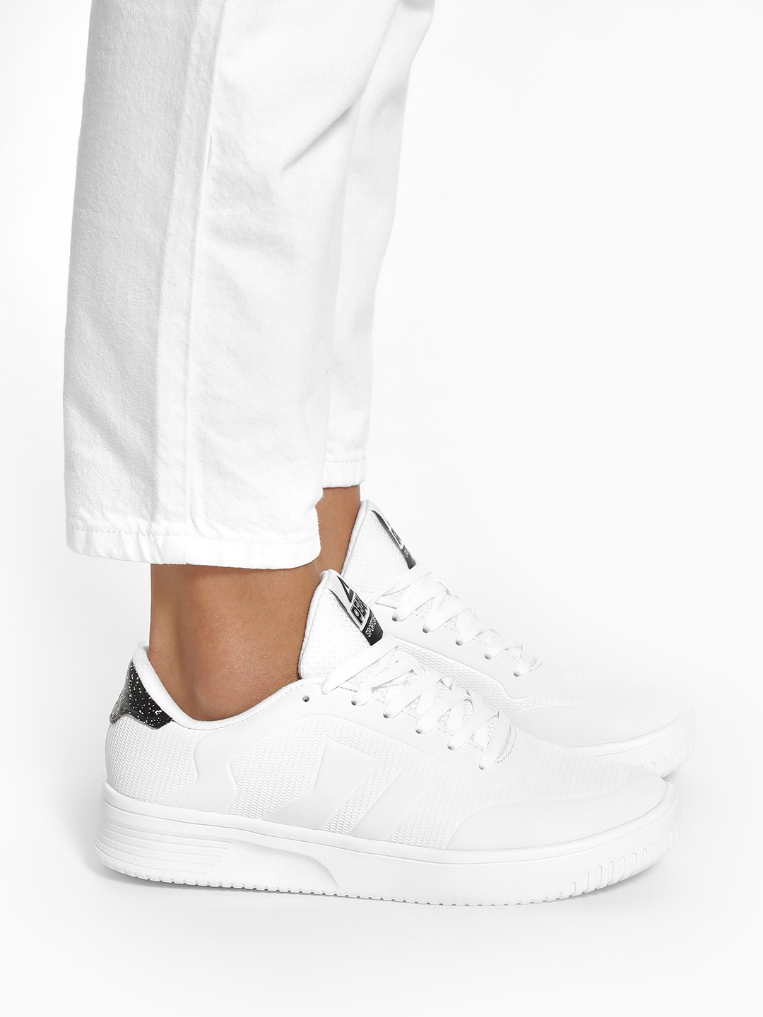 Peak White Platform Sole Lace-Up Sneakers 1