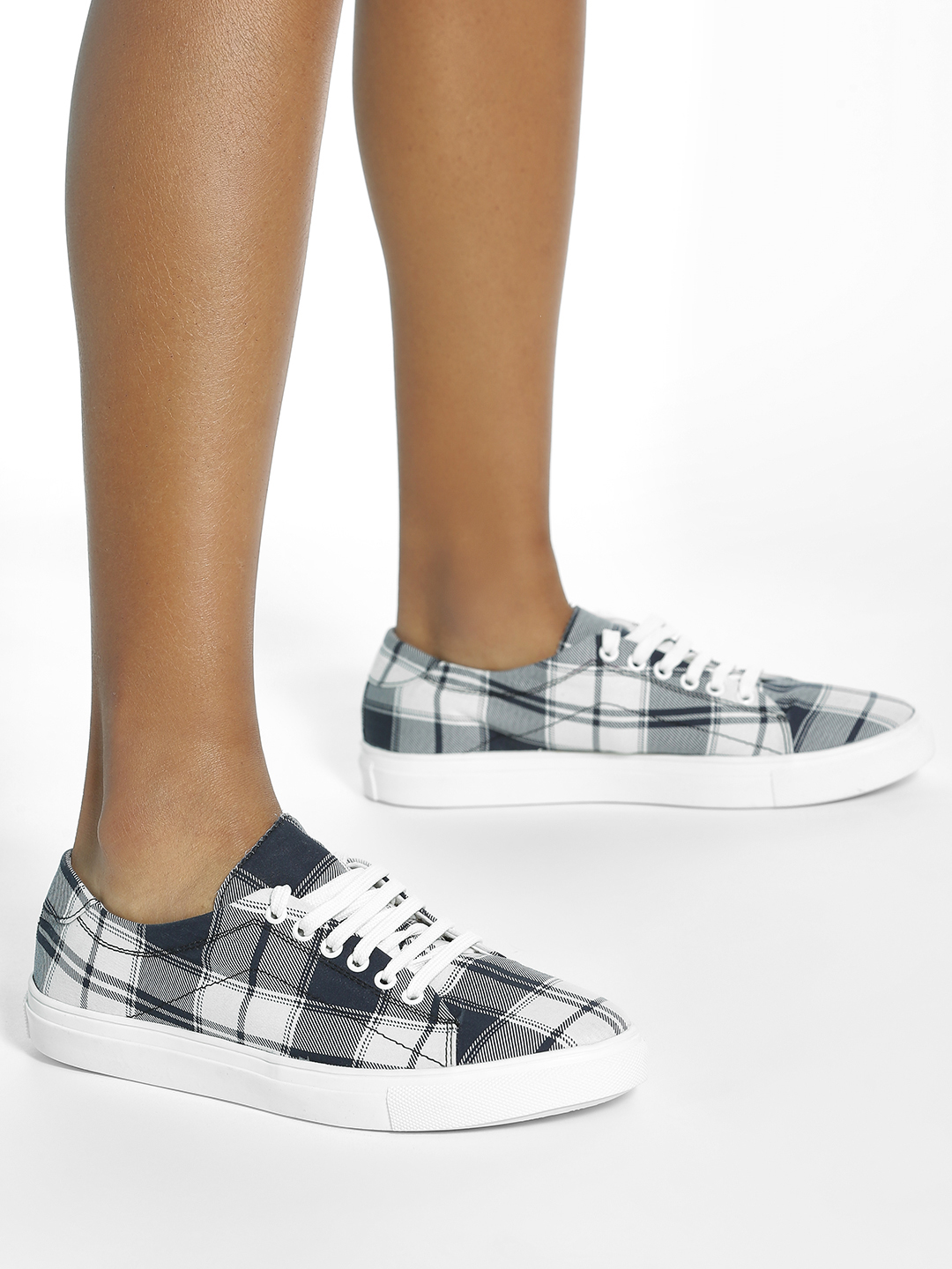 ADORLY Black Plaid Check Sneakers 1