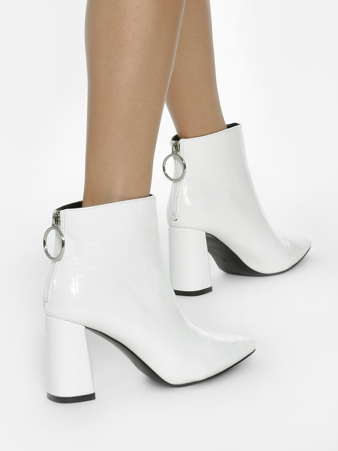 Intoto White Crocskin Zip-Up Ankle Heeled Boots 1