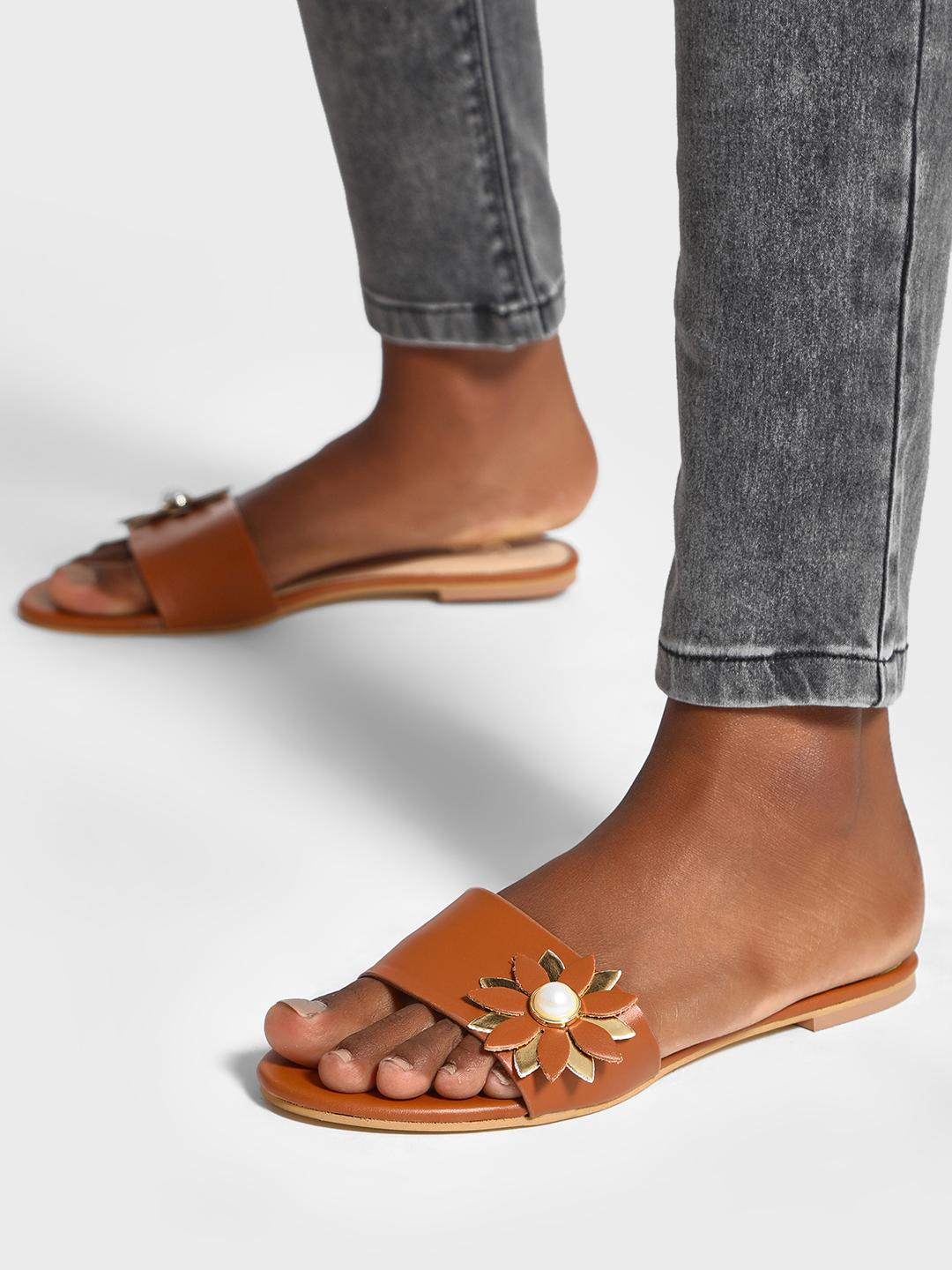 Shoe that fits You Brown Pearl Flower Embellished Sliders 1