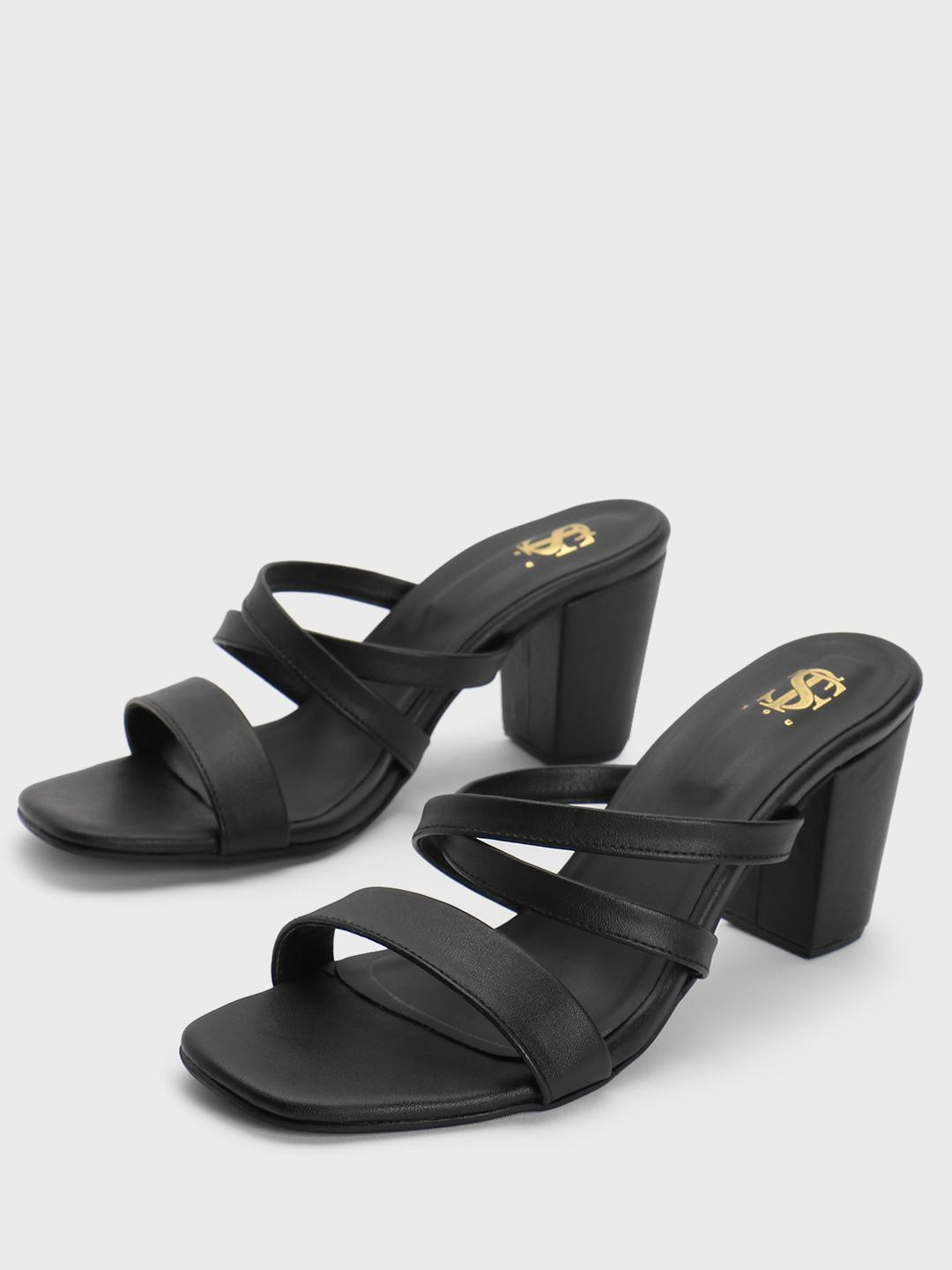 Shoe that fits You Black Strappy Block Heeled Sandals 1