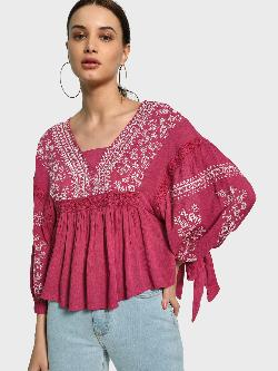 Kisscoast Embroidered Flared Volume Sleeve Blouse