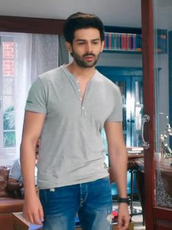 Bollywoo In The Style Of Kartik Aaryan Henley T-Shirt