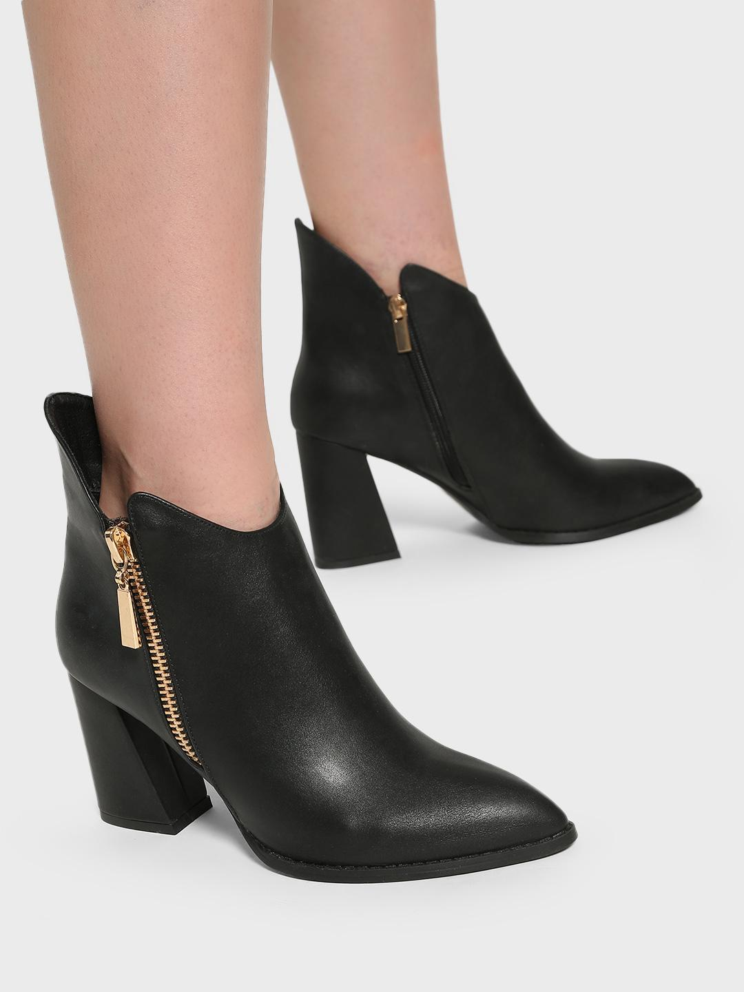 Intoto Black Pointed Toe Ankle Boots 1