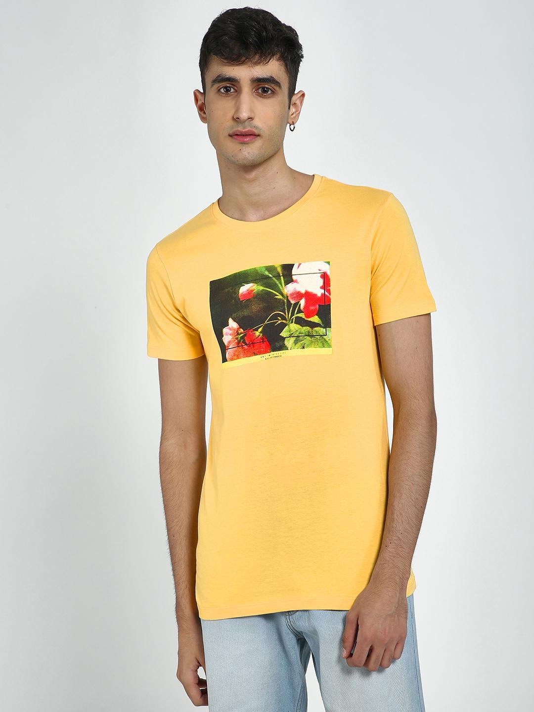 Blue Saint Yellow Placement Print Round Neck T-Shirts 1