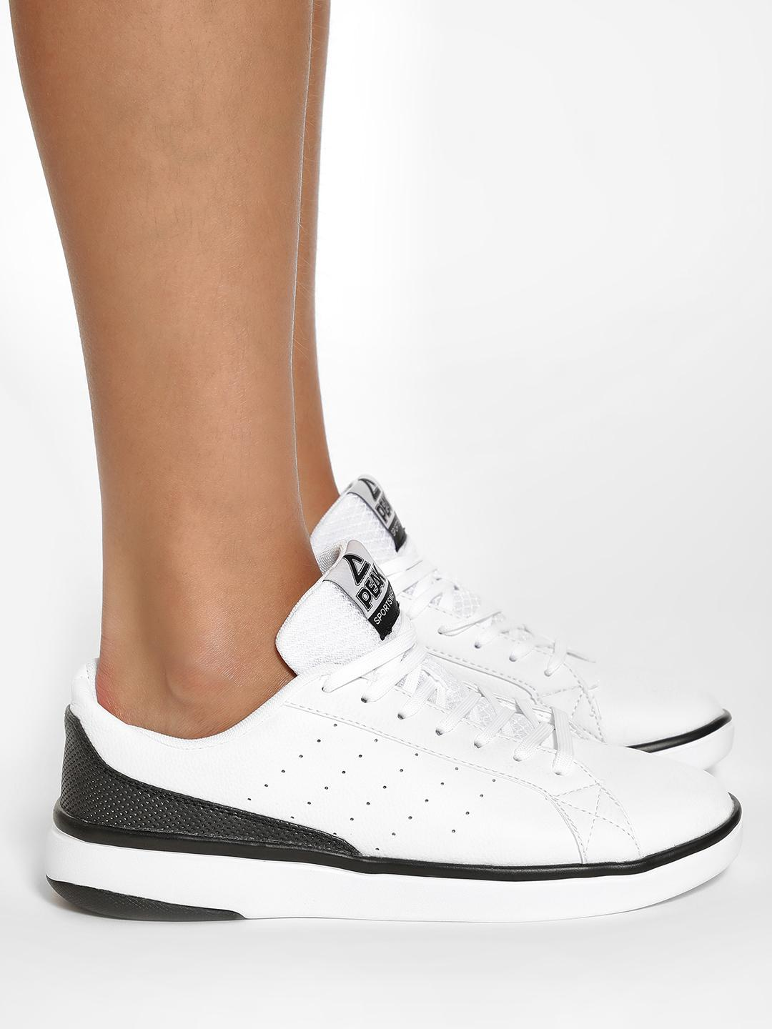 Peak White Contrast Sole Lace-Up Shoes 1
