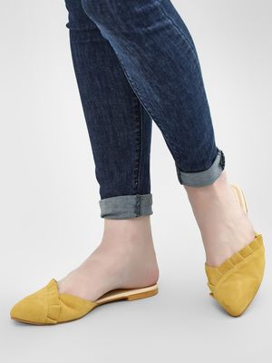 CAi Ruffle Pointed Toe Mules