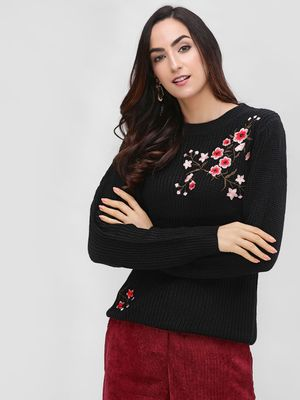 Cover Story Long Sleeve Embroidered Pullover