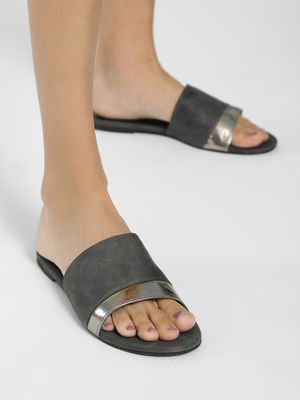 Shoe that fits You Suede Metallic Strap Flat Sandals