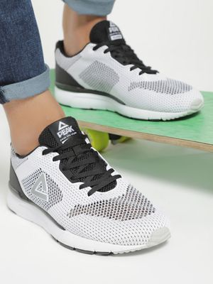 Peak Mesh Knitted Running Shoes
