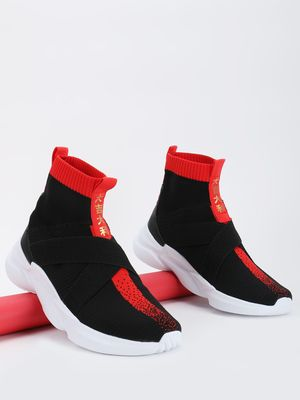 361 Degree Knitted Contrast Tape Sockliner Trainers