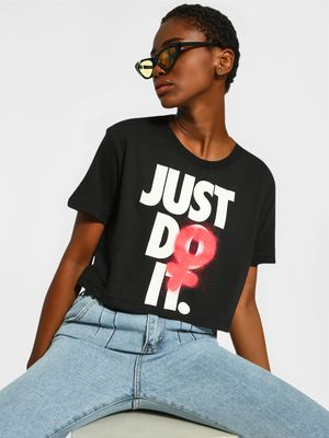 Nike Slogan Spray Print Cropped T-Shirt