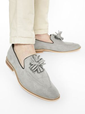 Griffin Fringed Flower Suede Loafers